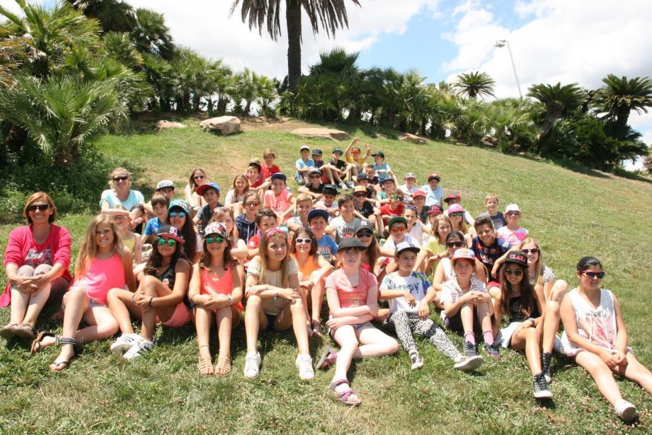 Petite pause détente pour les enfants au parc de Montjuic.