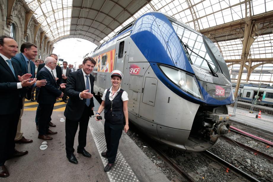 « C'est une avancée majeure pour votre qualité de transport, que vous soyez travailleurs ou touristes », s'est réjoui Christian Estrosi, président de la région Provence-Alpes-Côte d'Azur.