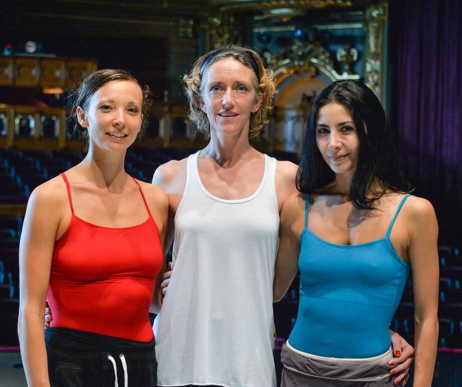 Bernice Coppieters, la « Juliette » des origines (au centre), entourée d'Anna Blackwell (à gauche) et de Victoria Ananyan (à droite), les danseuses qui reprennent aujourd'hui le flambeau.