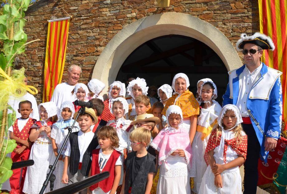 Intermède choral avec les enfants de Saint-Clair.
