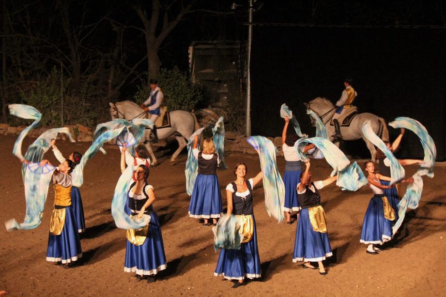 Danse et chevaux, les Nuits du lac ont encore offert un magnifique spectacle aux Bessois.