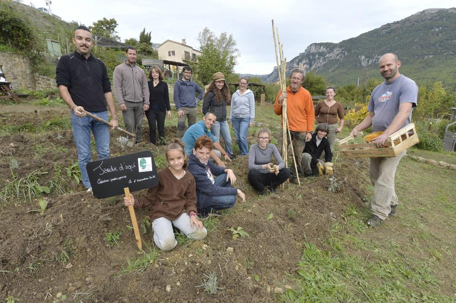 Les jardiniers amateurs venus de Nice ou Peymeinade, mais aussi des Barrois qui cultivent toute l'année en famille ces beaux jardins partagés de la Ferrage: 39 parcelles