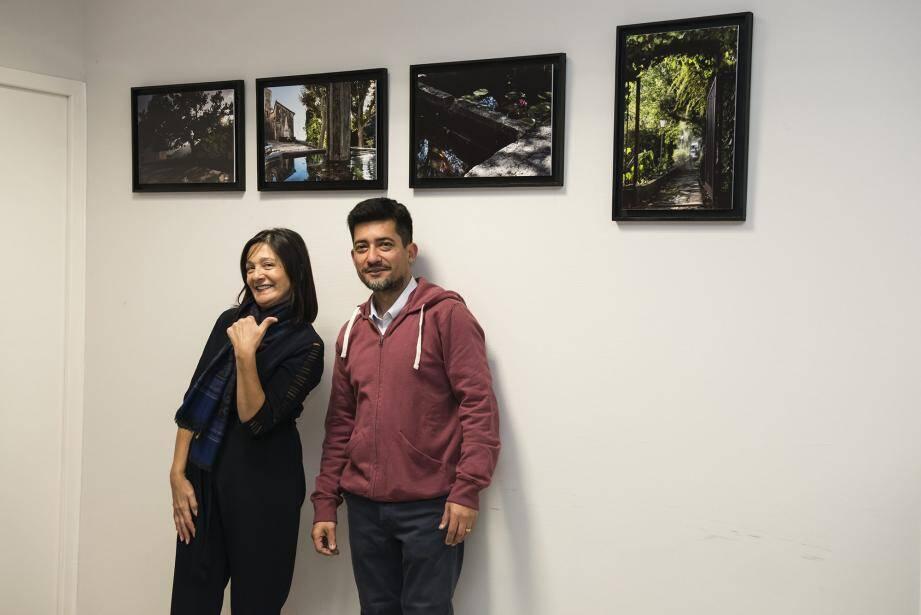 Muriel Vitetti et Marcello lors du vernissage de l'exposition visible jusqu'au 2 janvier.