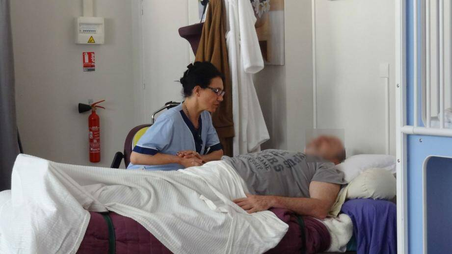 Des mises en situation au domicile, en EHPAD ou à l'hôpital permettent d'approcher la réalité au plus près.(DR)
