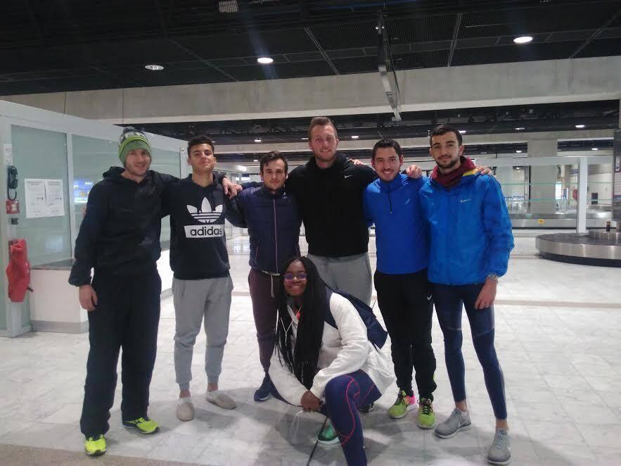 Les Cannois à l'aéroport, avant leur départ pour les championnats de France jeunes qui ont eu lieu à Nantes.