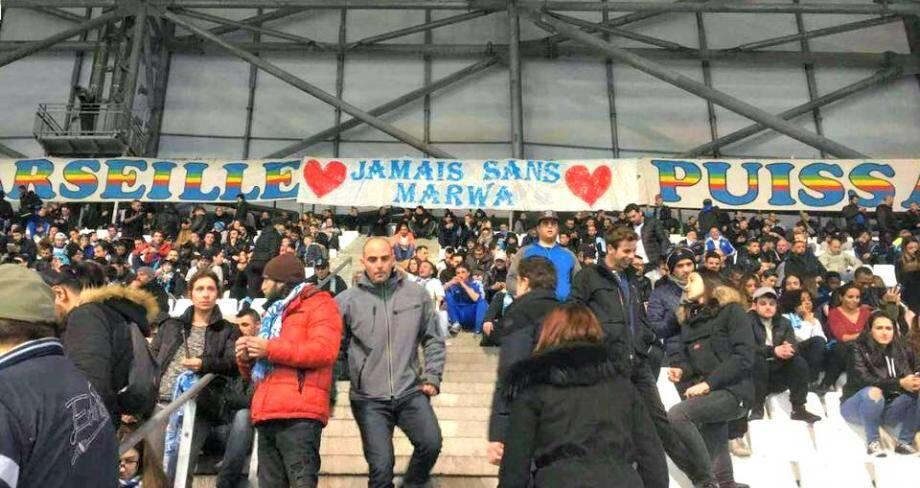 Une banderole de soutien aux parents de Marwa, mercredi au stade Vélodrome.