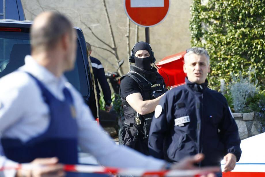 L'intervention rapide des policiers grassois a permis de neutraliser le tireur en seulement  dix minutes.