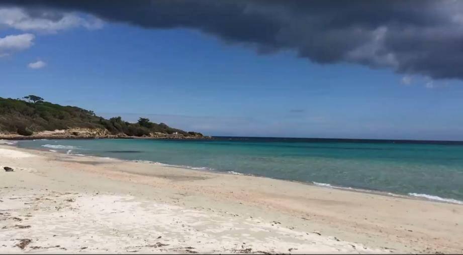 Quelle affaire plane sur la plage des Salins ? L'enquête est en cours.