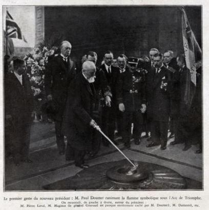 Le premier geste du nouveau Président : ranimer la flamme  symbolique sous l'Arc de Triomphe à Paris.(@L'illustration)