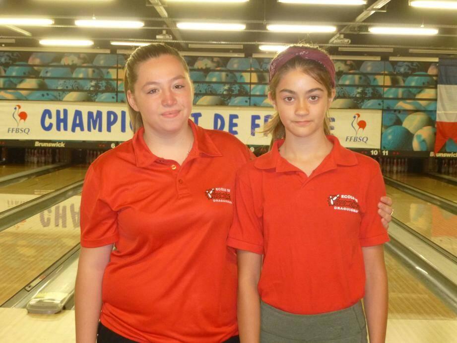 Les féminines de l'école de bowling.