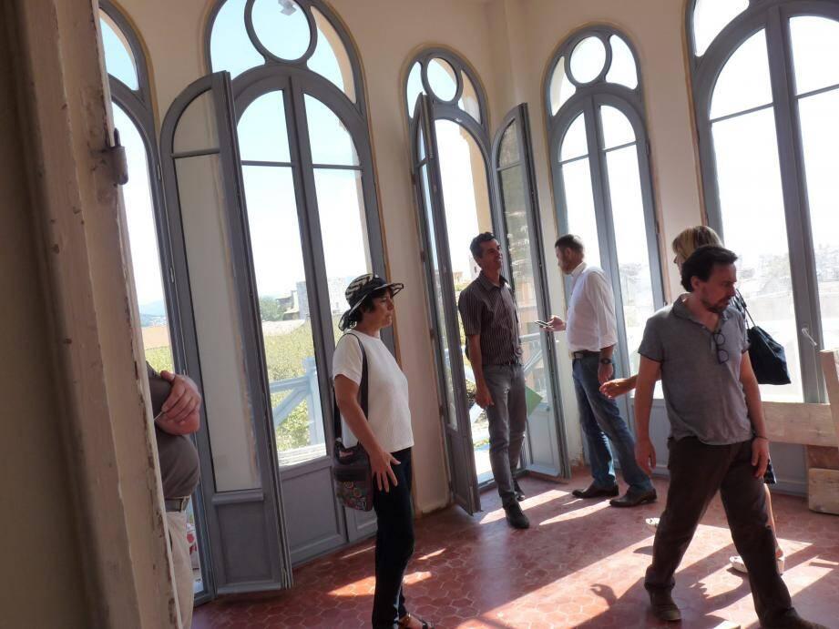 Le style ancien a été entièrement respecté, notamment les ouvertures. Les décors peints ont tous été remarquablement restaurés par des spécialistes polonais, sur quatre niveaux !