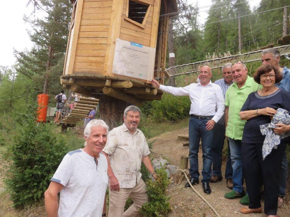 Le maire de Valdeblore et le président du conseil départemental lors de l'inauguration de « Colmiane forest »...