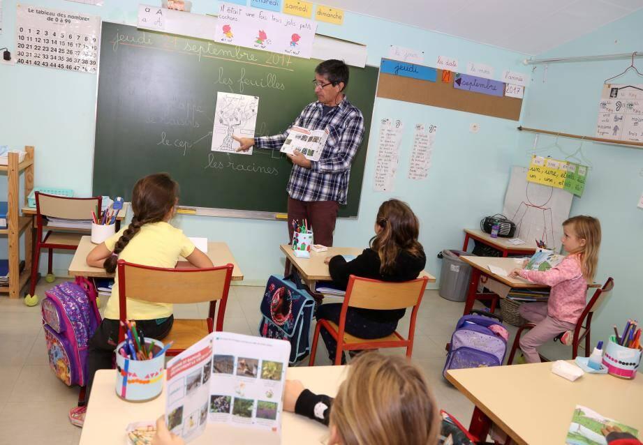 Que ce soit pour les CP, les cours élémentaires ou les cours moyens, les livrets pédagogiques autour de la vigne ont tous pour nom : Aventures en Provence.