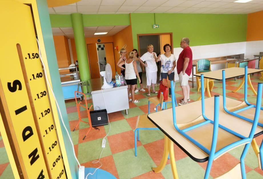 L'école Alphonse-Daudet, qui accueille trois cents enfants à l'année, a vu sa cantine entièrement repeinte.