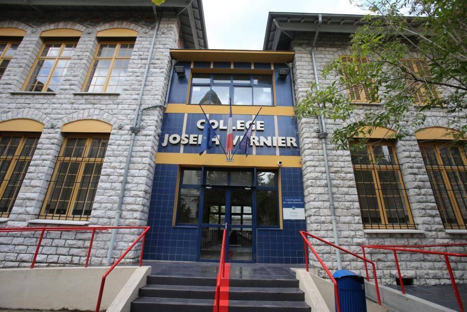 Au collège Vernier, les élèves découvriront notamment des sanitaires rénovés et deux ascenseurs tout neufs. En attendant l'inauguration, fin 2018, de salles de sport à la gare du Sud toute proche.