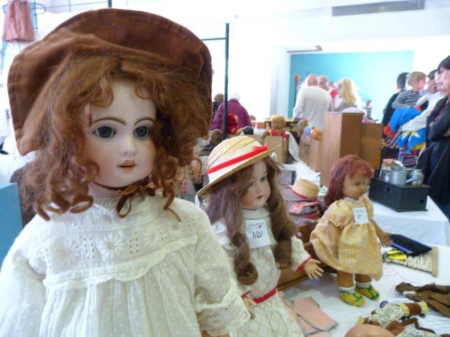 Le salon de la poupée et le marché de Noël, seront les dernières animations pour la présidente(à gauche) et son équipe de bénévoles.