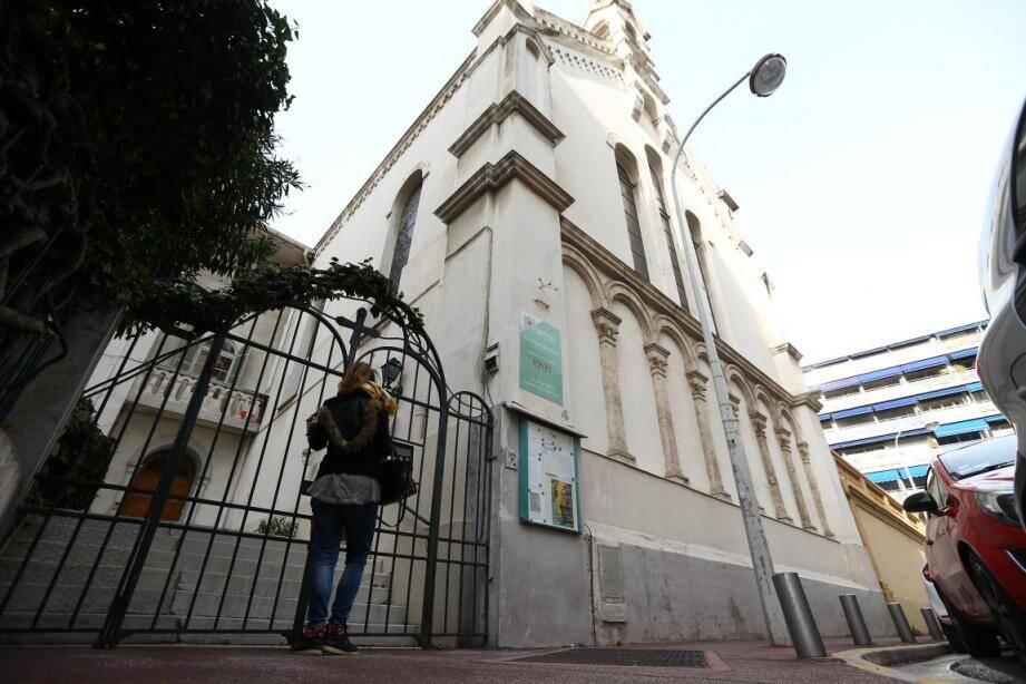 L'église est à quelques centaines de mètres du boulevard Victor-Hugo, là même où, en février, un affaissement de la chaussée s'était produit, à la suite d'une panne du tunnelier.