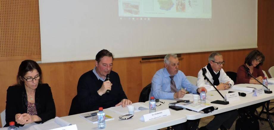 Entente parfaite entre les élus et les membres du bureau de l'EPF.