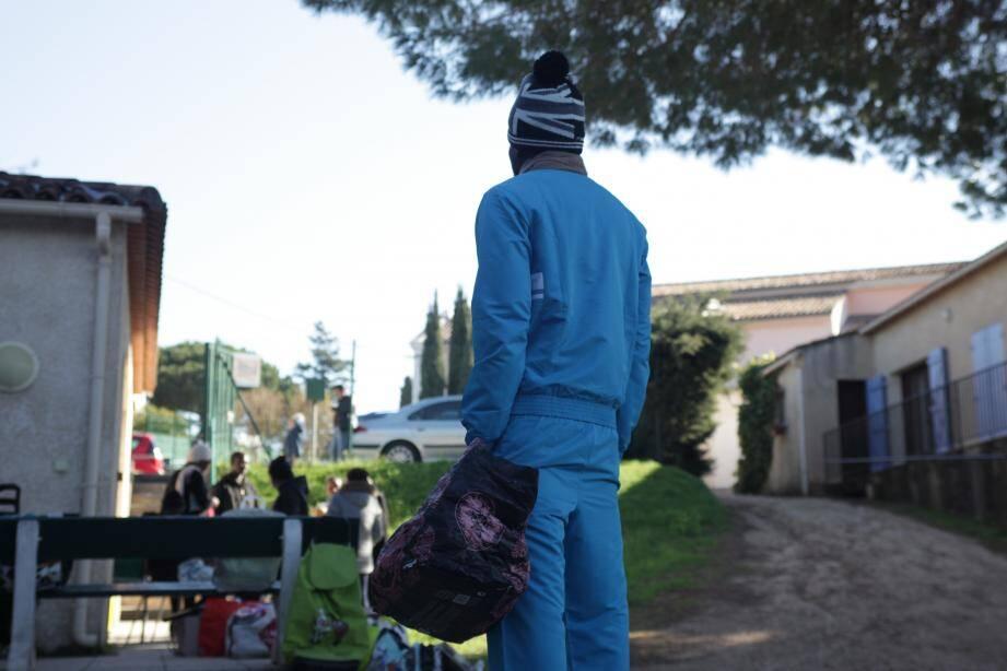 Depuis fin novembre, la ville de La Londe-les-Maures accueille une soixantaine de migrants, originaires d'Europe de l'Est et d'Afrique.