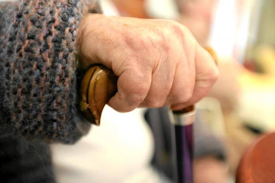 Les aides à domicile permettent de reculer de 10 ans en moyenne le moment de la dépendance
