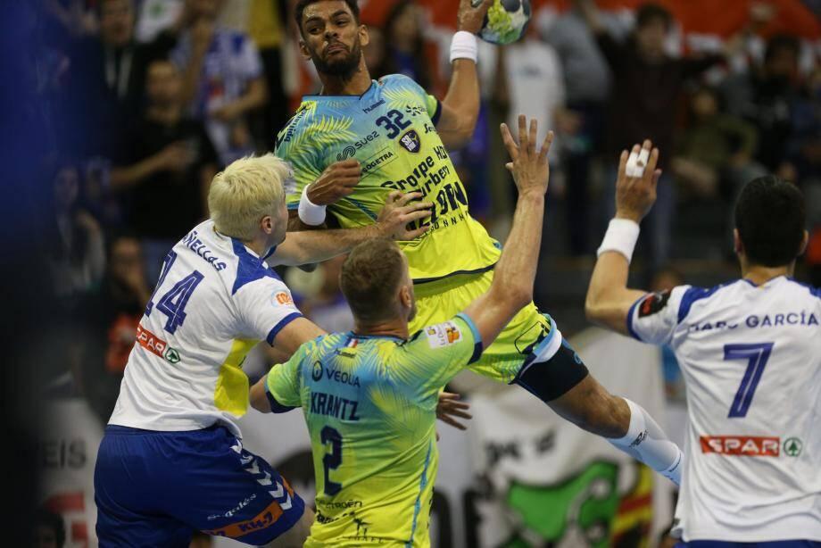 Adrien Dipanda et les Raphaëlois sont actuellement un peu dans le dur. Battre ce soir Chambéry les relancerait idéalement.