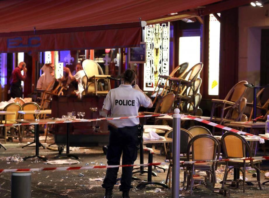 Ce lundi soir, un mouvement de panique a fait une douzaine de blessés dans le centre-ville de Nice.