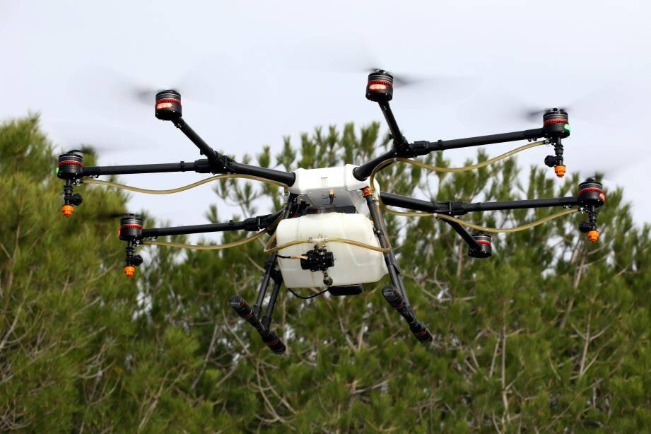 Ces drones pulvérisateurs ont été utilisés l'an dernier, dans le massif de la Croix-des-Gardes.