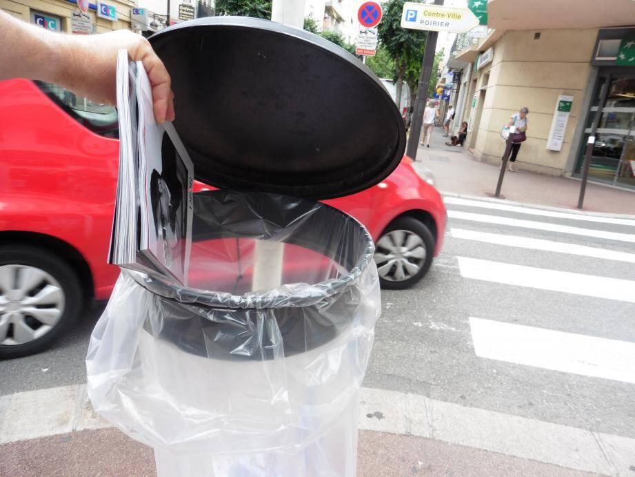 Avenue Robert-Soleau : il faut être au bon endroit pour trouver une poubelle. Il en manque selon notre lecteur.