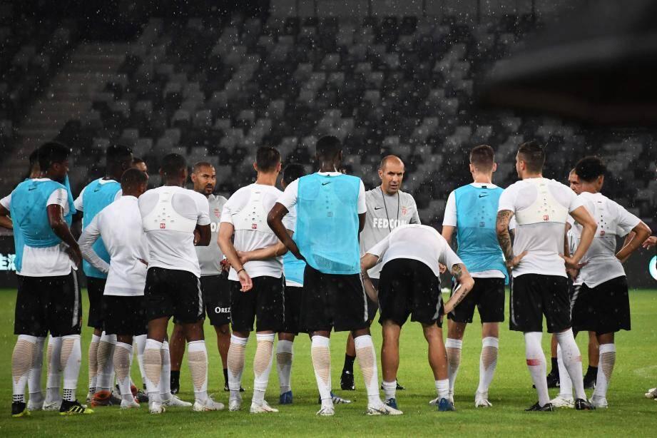 L'AS Monaco a vécu une dernière opposition extrêmement arrosée sur la pelouse du stade de l'Université de Shenzen.