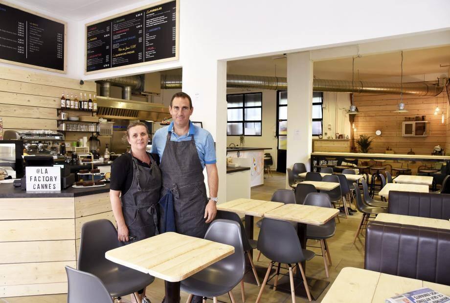 Christelle et Franck Dosne ont quitté leur carrière professionnelle pour ouvrir ensemble deux snack gourmands rue des Suisses.