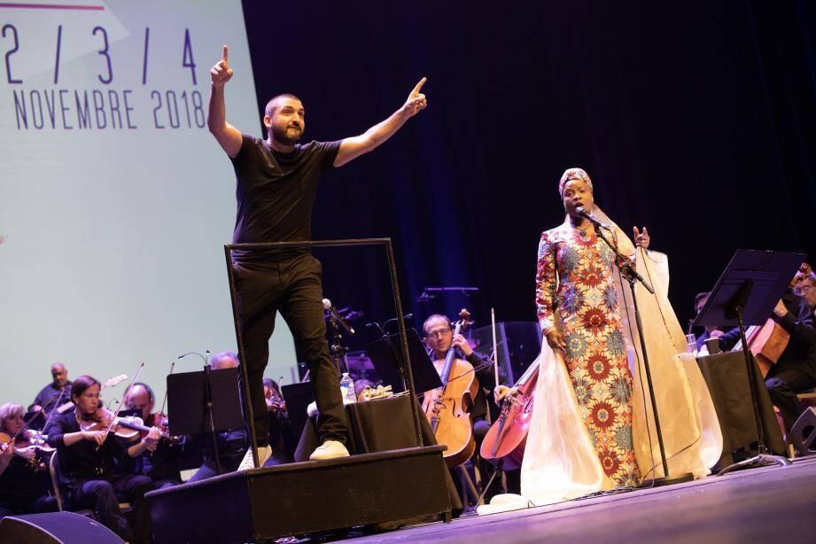 Aux côtés d'Ibrahim Maalouf, la star béninoise Angélique Kidjo, reconnue tant pour ses talents de nomade musicale que pour son engagement humanitaire en faveur des enfants.