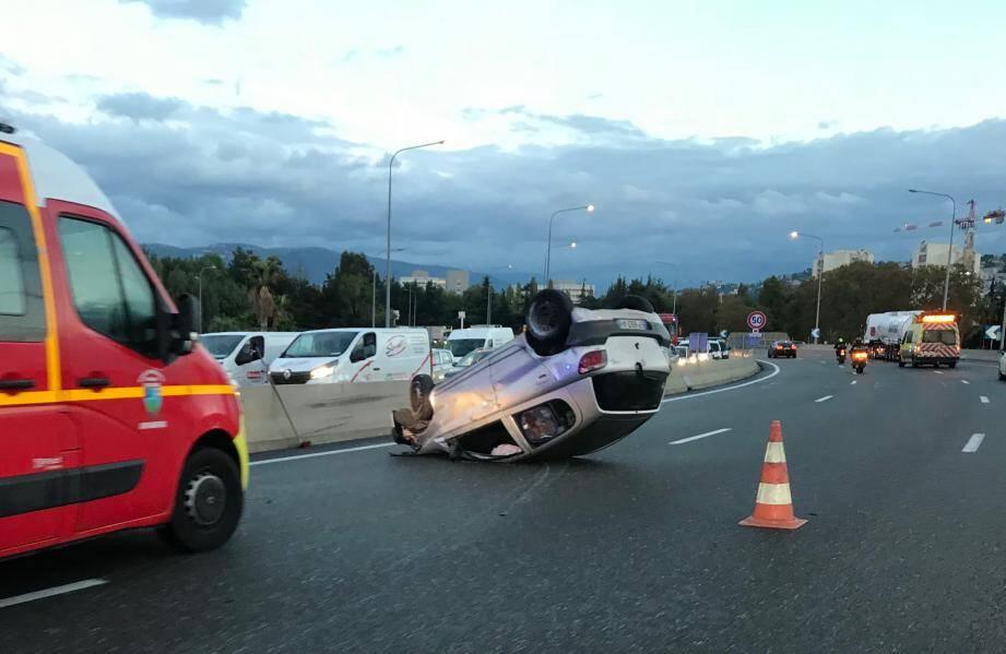 Un accident perturbe la circulation ce mardi matin sur l'A8.