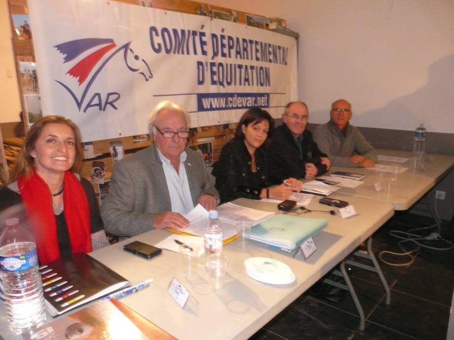 Pierre Breu (à gauche) aux côtés des représentants du CRE Côte d'Azur, du CDOS et de la DDCS.