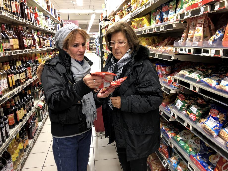 Dans les rayons d'un supermarché de Saint-Laurent-du-Var, Édith fait les courses en compagnie de Maria, 80 ans. La mamie laurentine commente : « [Édith] est tellement adorable. Avec elle, je me sens toujours en sécurité, on papote, on rit, on se confie. Vous savez, moi, je suis veuve, alors, c'est précieux de l'avoir à mes côtés ».