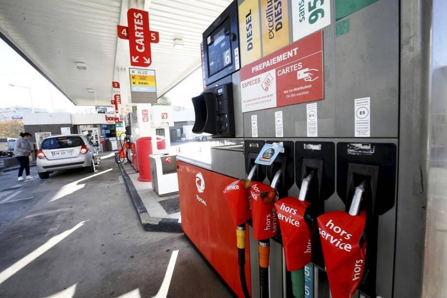 Illustration d'une pénurie d'essence dans une station à Toulon.