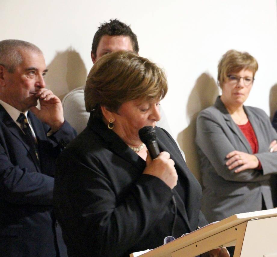 Martine Arizzi face à un public nombreux et attentif.