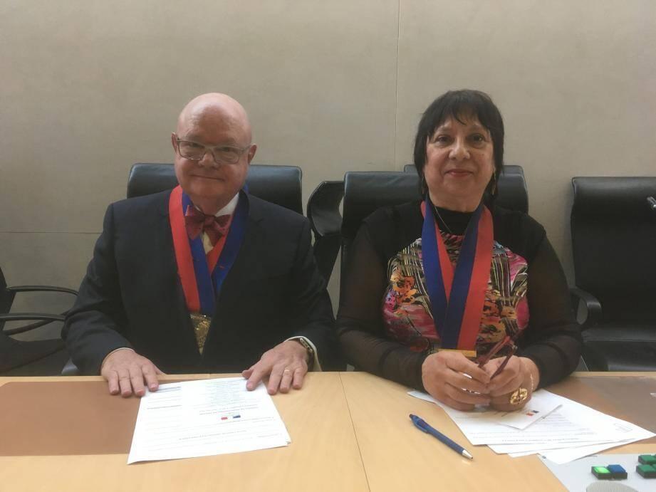Yvonne Erétéo succède à Yves Pincé à la présidence du Conseil.