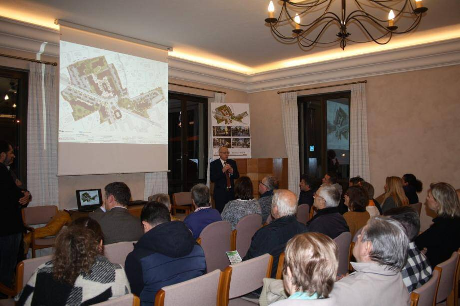 Le projet de la phase 2 du centre village dévoilée au public mais reste voué à modifications.