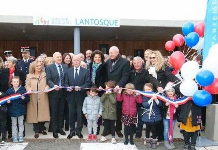 Inauguration du nouveau groupe scolaire en présence de la conseillère régionale Monique Manfredi, des députés Eric Ciotti et Marine Brenier, de la sénatrice Dominique Estrosi-Sassone et du maire de Lantosque, Jean Thaon.