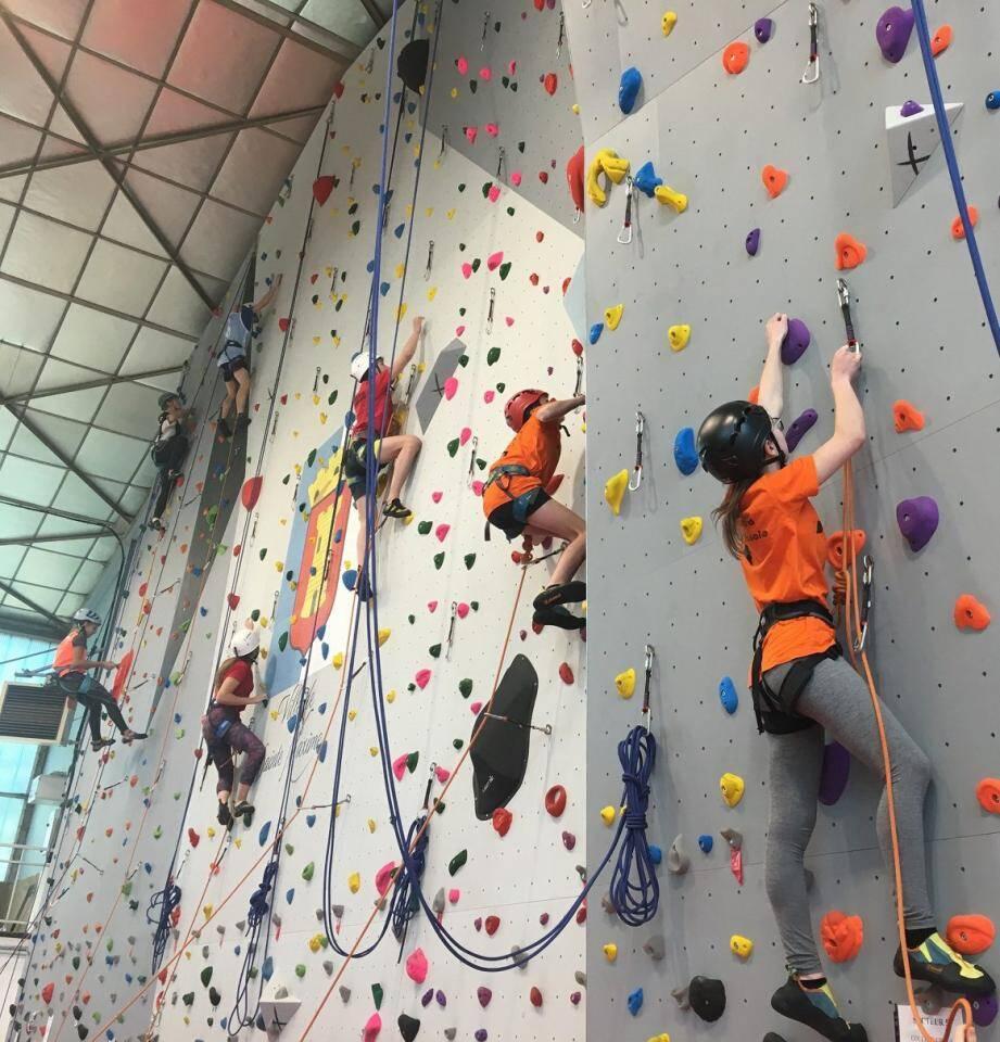 Le mur d'escalade a reçu sa première compétition.