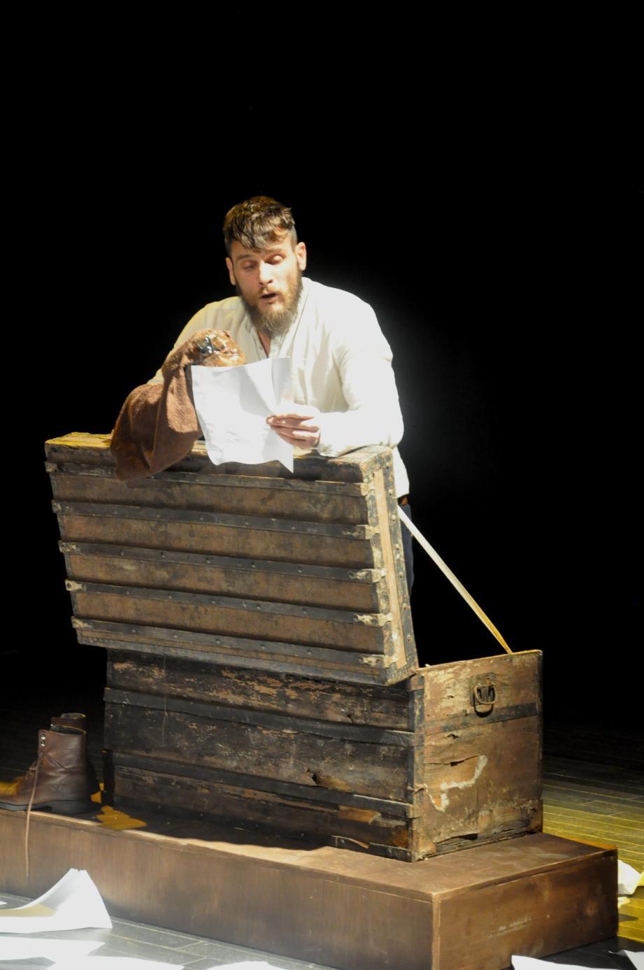"""Sylvain Zarli a emballé le public avec son spectacle """"Le journal d'un fou"""", d'après le texte du Russe Nicolas Gogol."""
