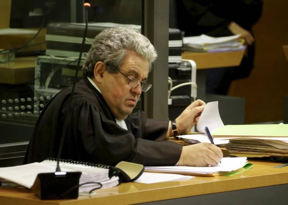 Me Ginez estime déloyal qu'on puisse évoquer à ce procès une autre affaire en cours d'instruction.