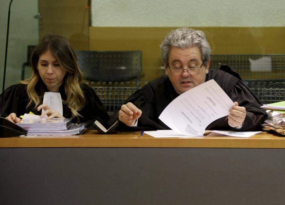 Le talent de Me Ginez et Moyer n'ont pas suffi. Leur client a été reconnu coupable d'empoisonnements. Et d'autres procès l'attendent.