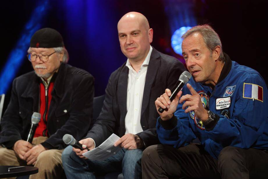 Leiji Matsumoto (Albator) et l'astronaute Jean-François Clervoy n'ont pas qu'une passion commune pour l'espace.Jean-François Clervoy a voyagé à bord de la navette Atlantis, nom d'un des vaisseaux d'Albator.