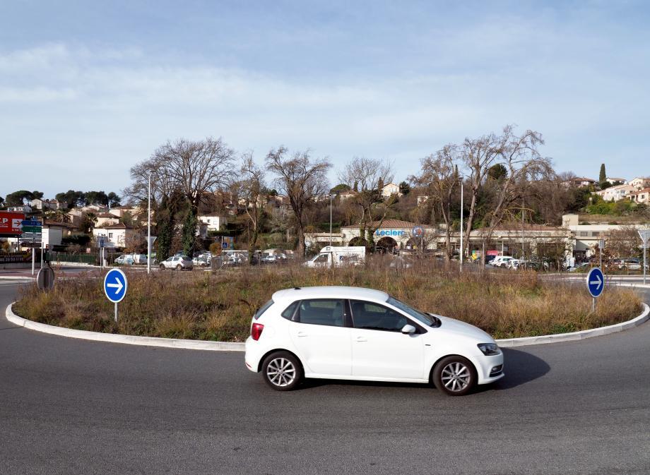 Le rond point où devait être installée la sculpture de Totor à la Colle-sur-Loup.