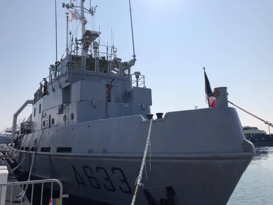 Dernière escale à Golfe-Juan pour le Taape et son équipage qui ont été accueilis avec les honneurs par une foule de personnalités civiles et militaires.