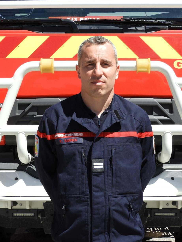 Le lieutenant Yvan Tarres lors de la cérémonie. Il a commencé sa carrière en tant que sapeur-pompier volontaire saisonnier en 1995 et comptabilise 24 ans au CIS de Peille.