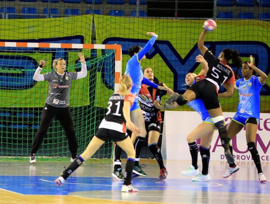 Malgré une nouvelle bonne prestation de Serdarevic dans les buts toulonnais, le TSCV s'est incliné à Besançon.