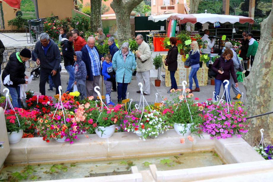 Vendredi 10 mai à 19 h 30 à l'Auberge provençale de la Pauline, Philippe Guillemant fera l'honneur de sa présence pour ce café-philo exceptionnel sur le thème « Synchronicité et libre-arbitre ».