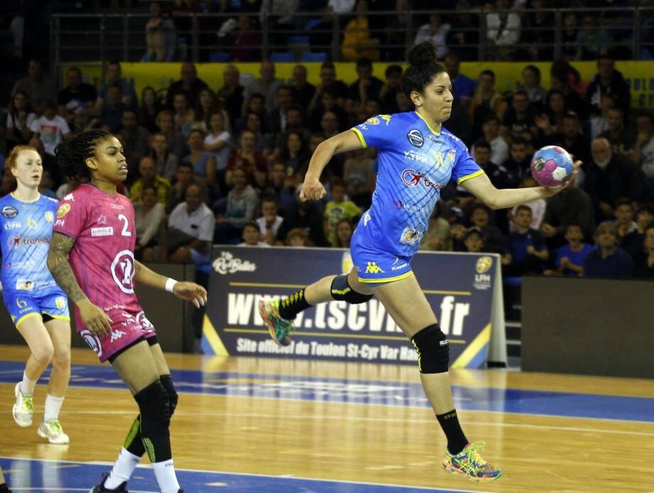L'ailière Sabrina Zazai a « pris son pied » à l'occasion de sa dernière au palais des sports sous le maillot de Toulon/Saint-Cyr.